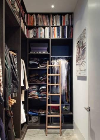Маленькая гардеробная комната (116 фото): из кладовки размером 2 кв м, мини и небольшие варианты
