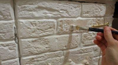 Отделка дома своими руками. как покрасить стену из кирпича, гипсовой плитки и декоративного камня?