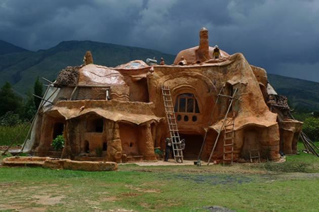Дом из дров и глины по технологии cordwood