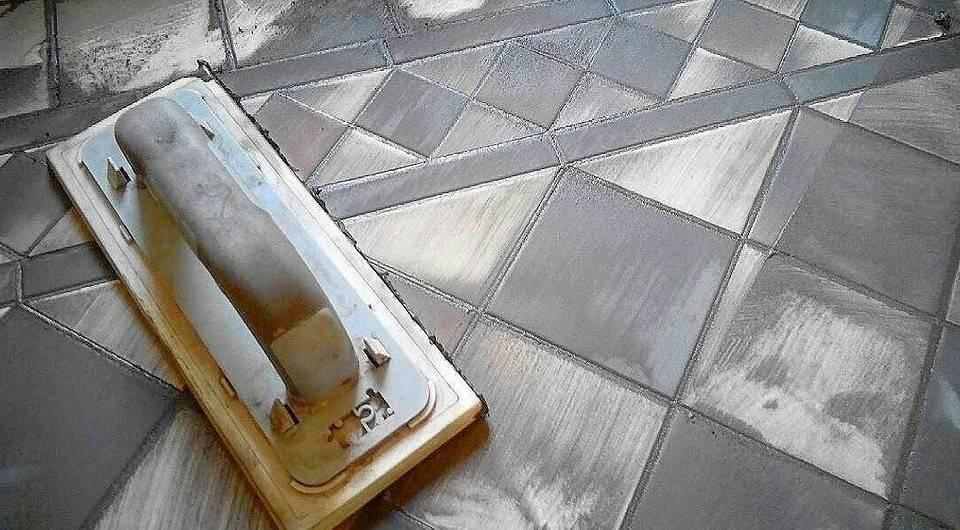 Затирка швов плитки в ванной своими руками — фото и пошаговое видео
