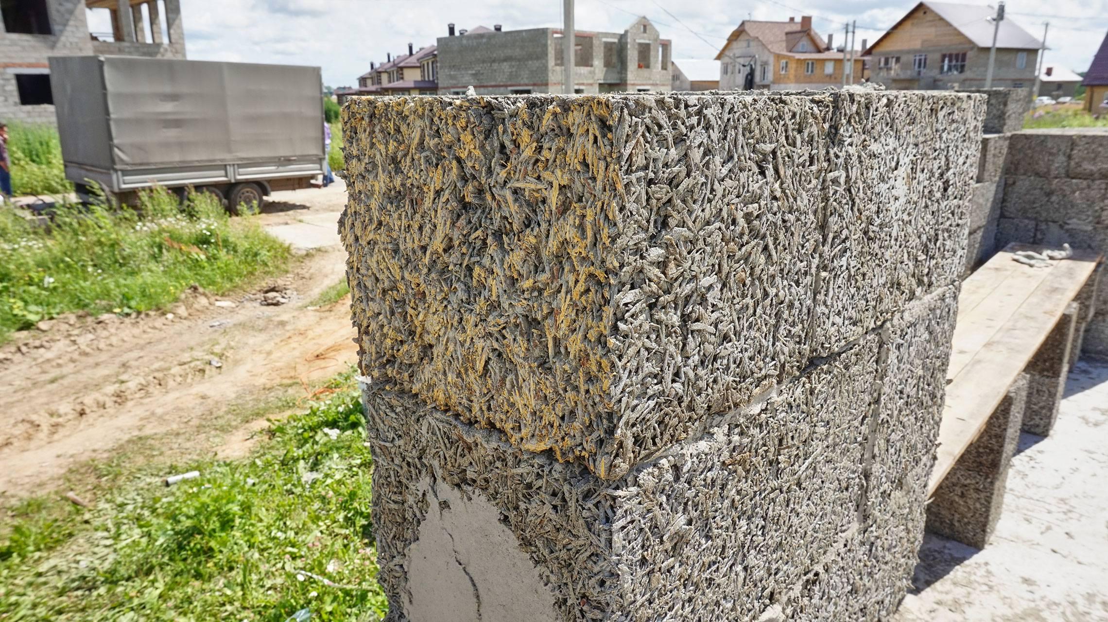 Фундамент для дома из арболита: устройство, особенности монтажа