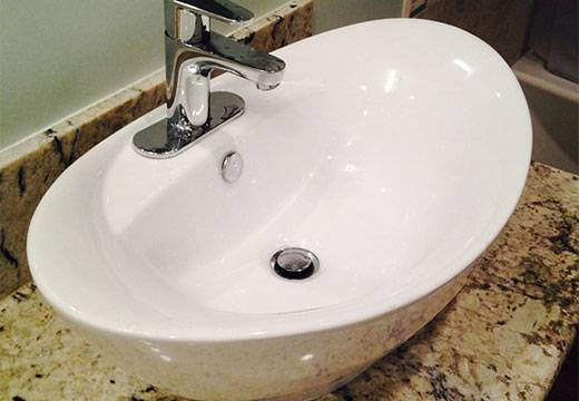 Прочистить засор в ванной в домашних условиях: содой, тросом