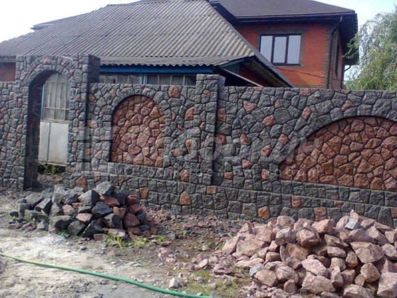 Заборы для частных домов - всё о воротах и заборе