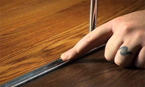 Монтаж ламината на пол единым полотном без порогов