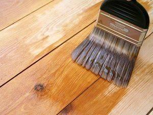 Какую краску выбрать для деревянного пола?