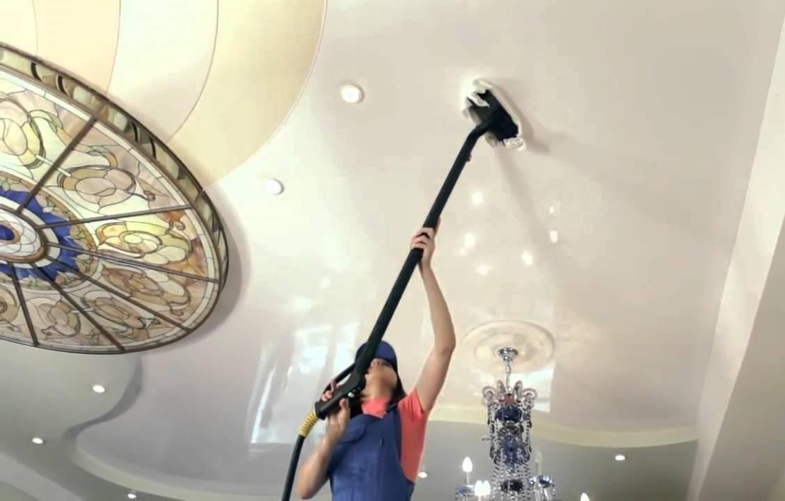 Как мыть натяжной потолок без разводов своими руками в домашних условиях - vodatyt.ru