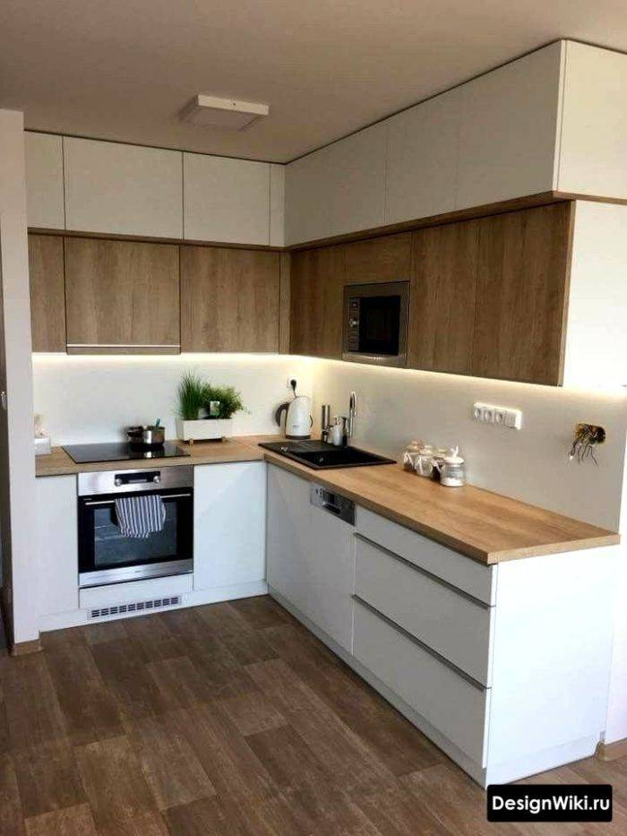 Столешница для белой кухни (36 фото): особенности дизайна с коричневой, бежевой и синей столешницами. какой цвет выбрать для светлой глянцевой кухни?