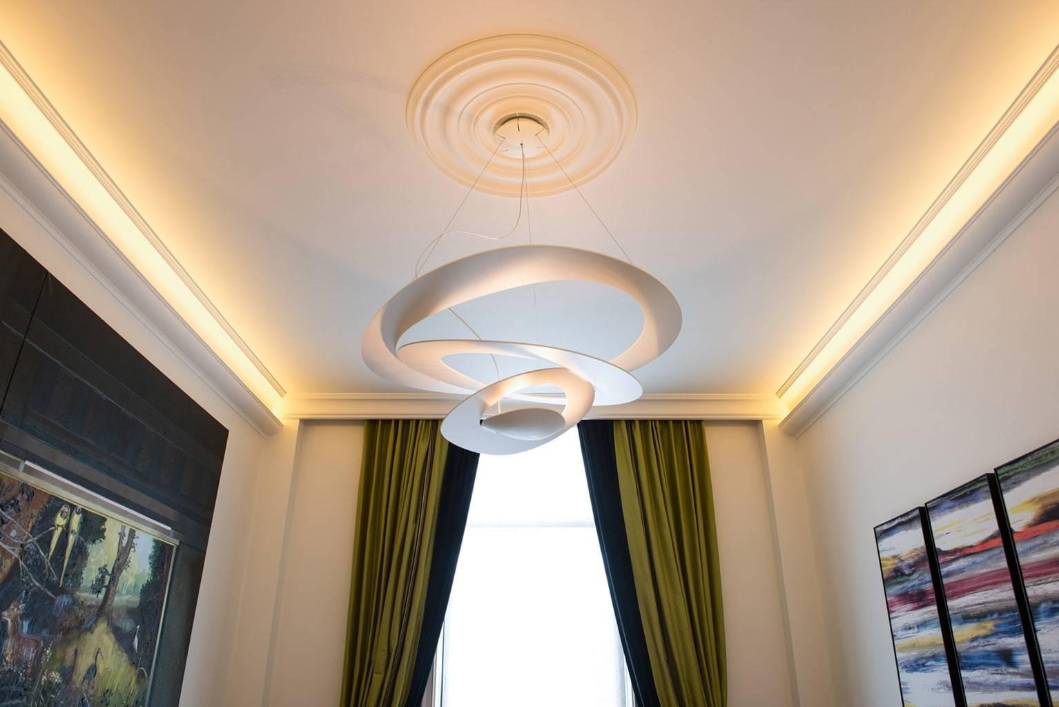 Наиболее популярные схемы расположения точечных светильников на натяжном потолке с примерами: 51 фото