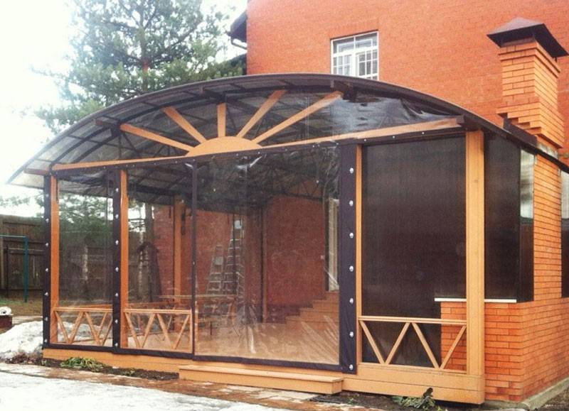 Гибкие окна для веранд: изготовление мягких конструкций из поликарбоната своими руками