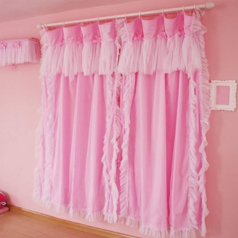 Яркие и нежные розовые шторы в интерьре