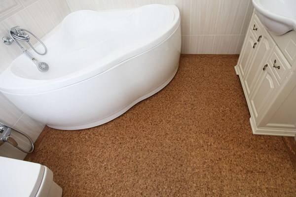 Линолеум в ванной в деревянном доме: какой лучше