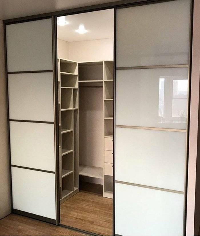 Советы по расстановке гардеробных шкафов-купе в квартире