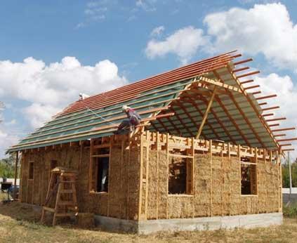 Саманный дом из глины и соломы своими руками: глинобитная технология   строительство. деревянные и др. материалы