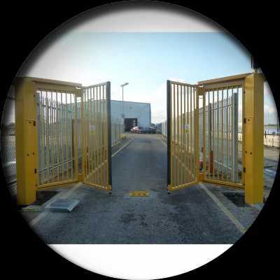 Складные ворота гармошка для дачи в москве - купить недорого: цены и фото, отзывы. продажа складных ворот для дачи, доставка и установка