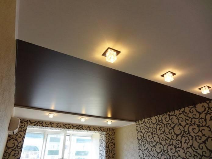 Двухцветные натяжные потолки: фото, спайка швов и дизайн из двух цветов