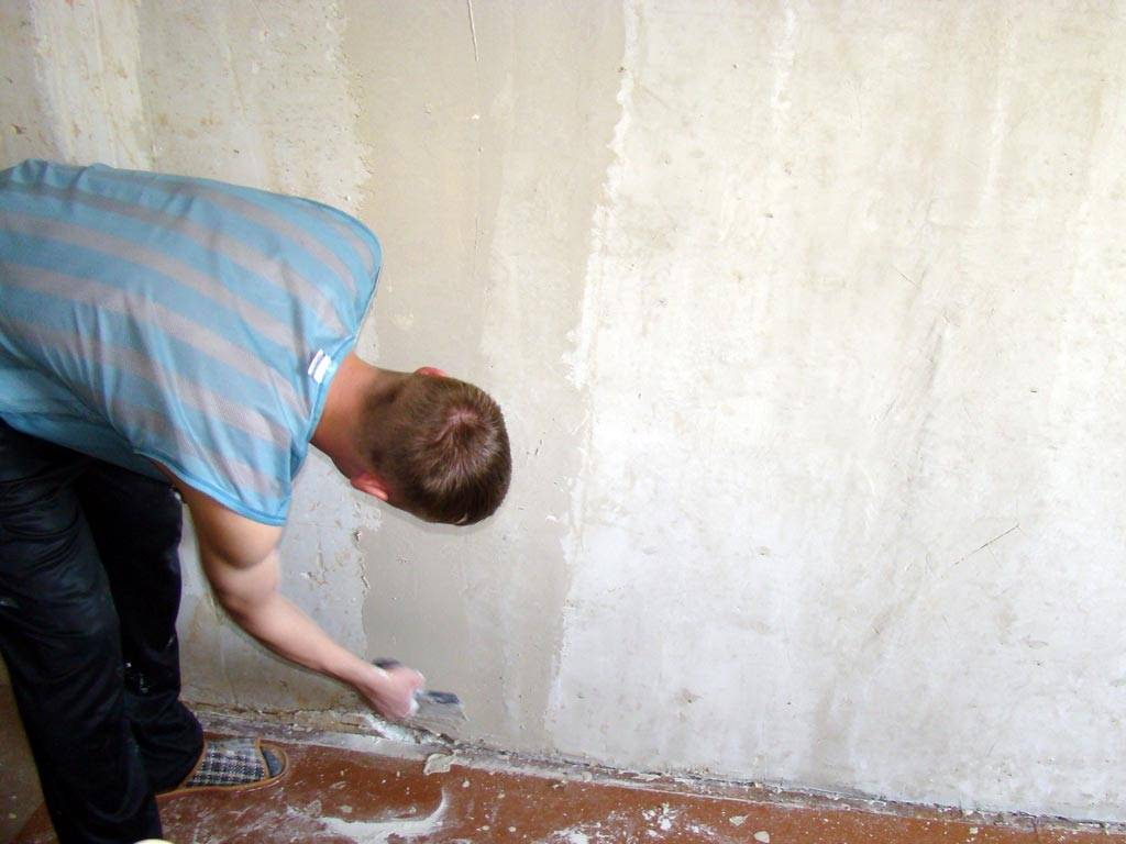 Как убрать швы на обоях после поклейки своими руками