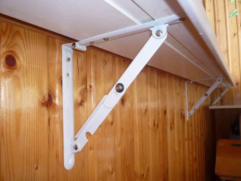 Установка подоконника на балконе — инструкция по монтажу