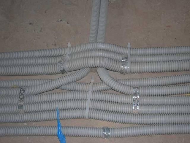 Виды гофр для электрических кабелей - особенности использования, конструкция, степени защиты и варианты монтажа (145 фото + видео)