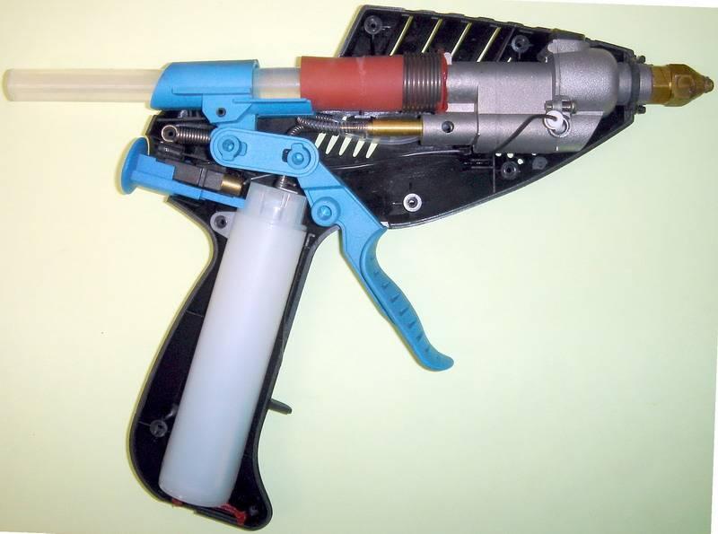 Можно ли клеить обувь клеевым пистолетом в домашних условиях