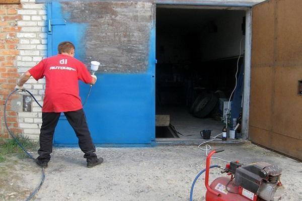Чем покрасить стены в гараже: в какой цвет красить, способы покраски внутри, технология выполнения работ, фото-материалы
