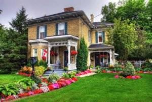 Красивые палисадники перед домом: планировка, дизайн, выбор растений и интересные идеи
