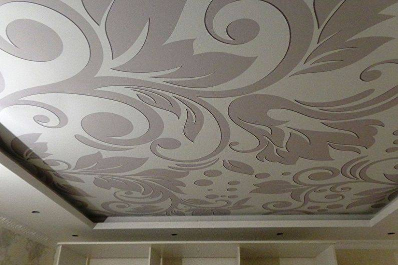 Как помыть глянцевый натяжной потолок без разводов в домашних условиях?