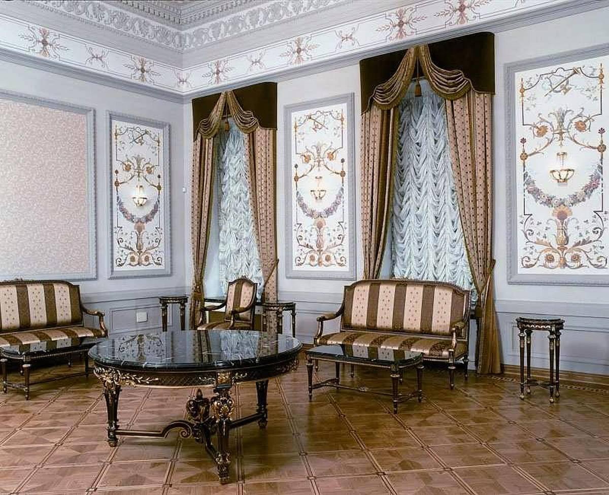 Как выбрать тюль в зал: виды, ткани, цвета, дизайн, комбинирование с другими шторами