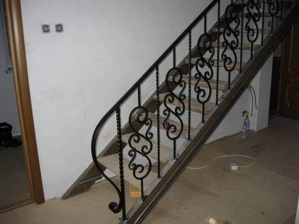 Лестница утиный шаг: фото, чертеж, расчет, на второй этаж, отзывы об эксплуатации