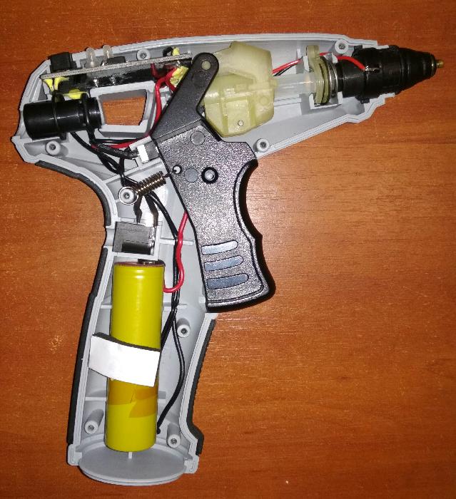 Что можно клеить клеевым пистолетом и как им пользоваться, правила выбора
