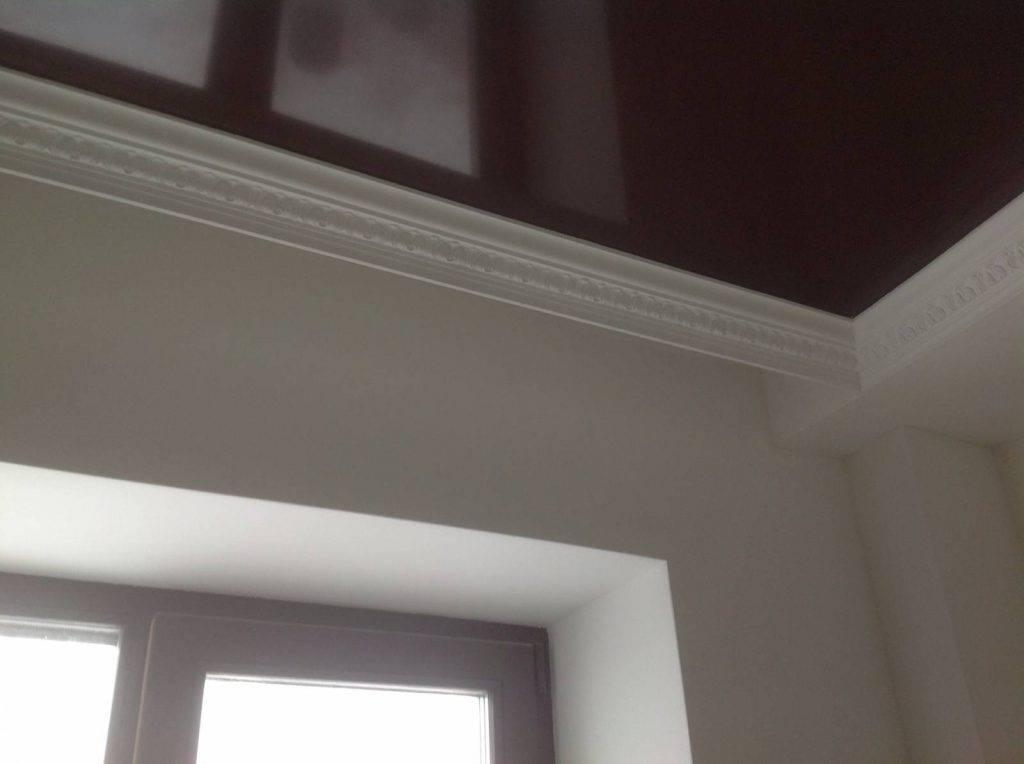 Как сделать натяжной потолок без плинтуса: технология