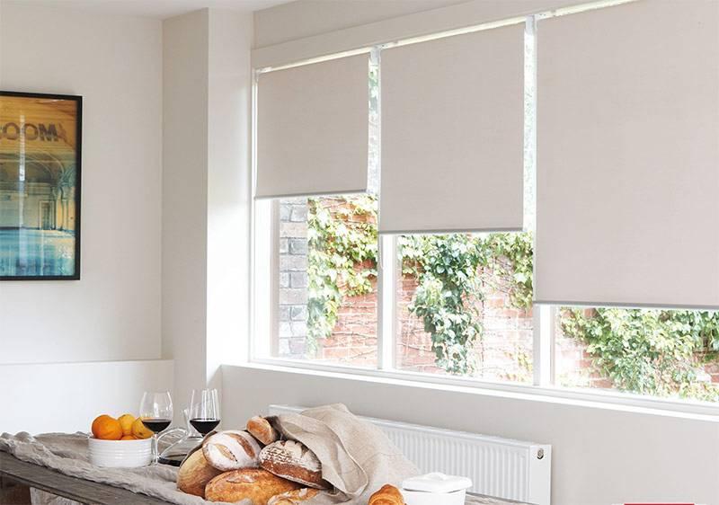 Деревянные жалюзи (65 фото): горизонтальные и вертикальные на окна из дерева, идеи в интерьере, особенности материала, белые и венге