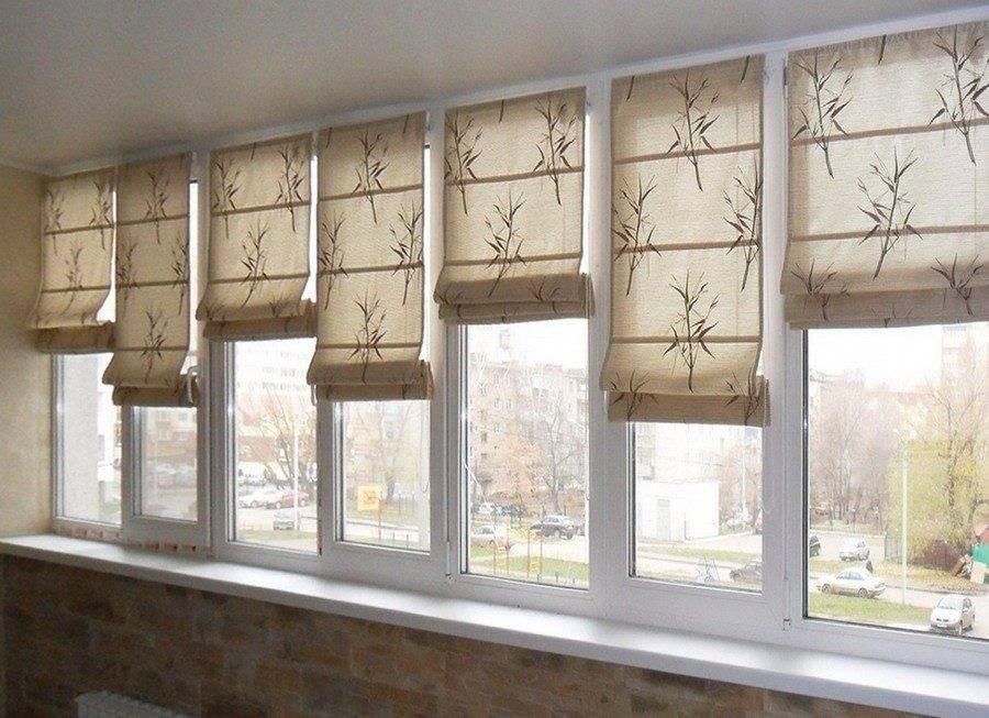 Шторы на балкон (97 фото): идеи ламбрекенов, римские шторки и занавески на липучке для раздвижных окон