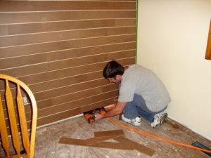 Как отделать стены ламинатом?