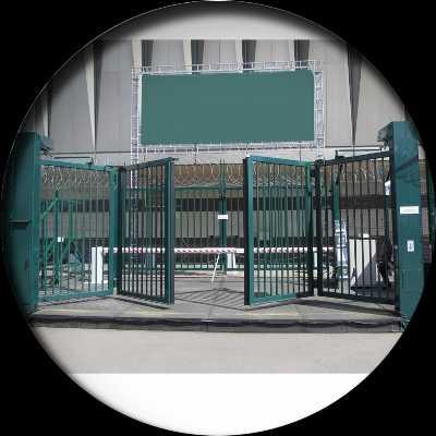 """Складные подъемные ворота – цепной привод для ворот «гармошка», вертикальные складывающиеся автоматические конструкции, складчатые и раскладные варианты – """"строим дом"""" – строительство и ремонт домов под ключ"""