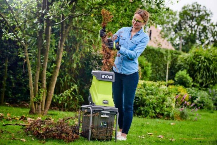 Электрический садовый измельчитель веток и травы — обзор популярных моделей