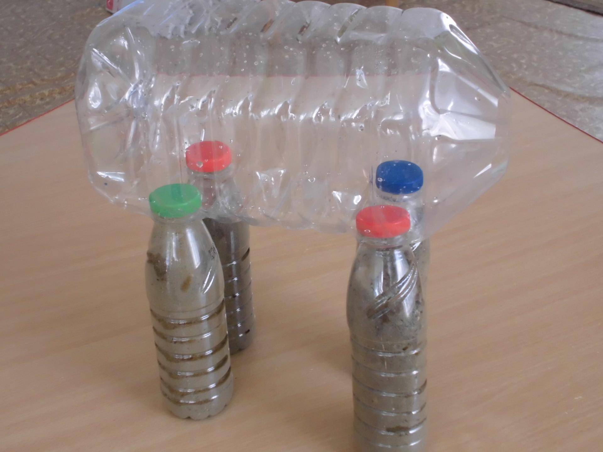 Забавный ослик из пластиковой бутылки