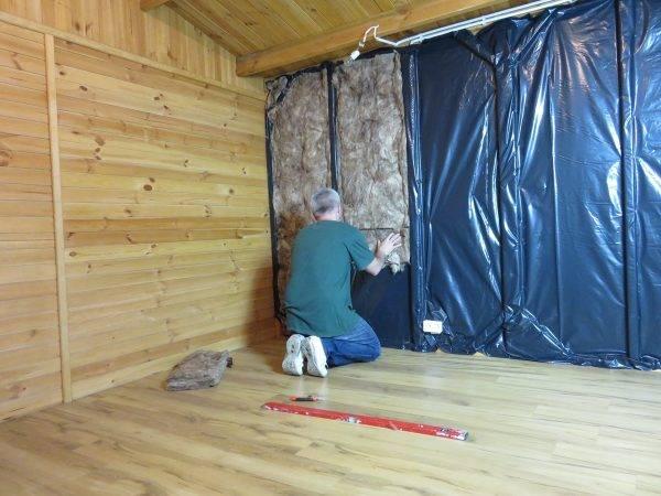 Утепление стен деревянного дома снаружи. выбор утеплителя и порядок действий. видео