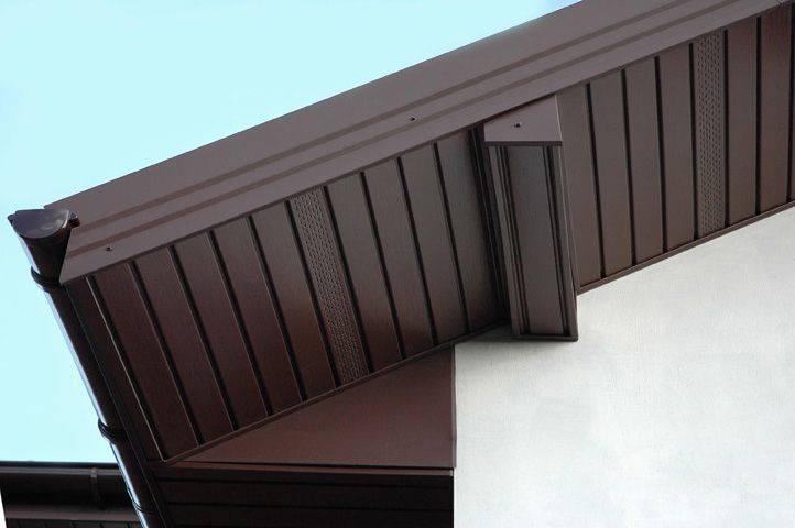 Подшивка свесов крыши - доступные варианты и способы