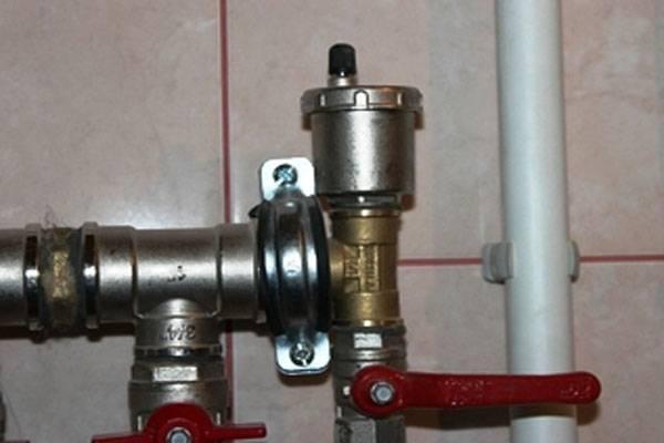 Как просто и быстро выгнать воздушную пробку в системе отопления?