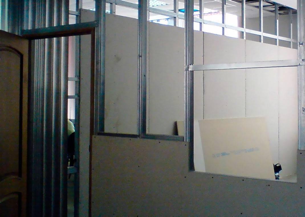 Возведение стен из гипсокартона в квартире: межкомнатных и полноценных