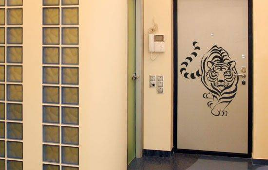 Сделать из старой двери новую: эффективное обновление и декорирование