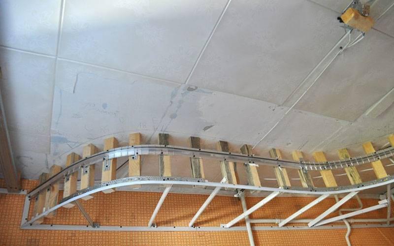 Как сделать двухуровневые натяжные потолки – пошаговое руководство