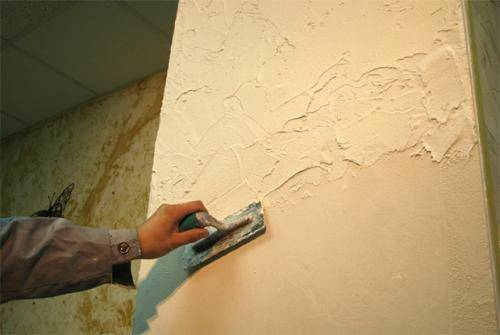 Подготовка стен под декоративную штукатурку: правила нанечения
