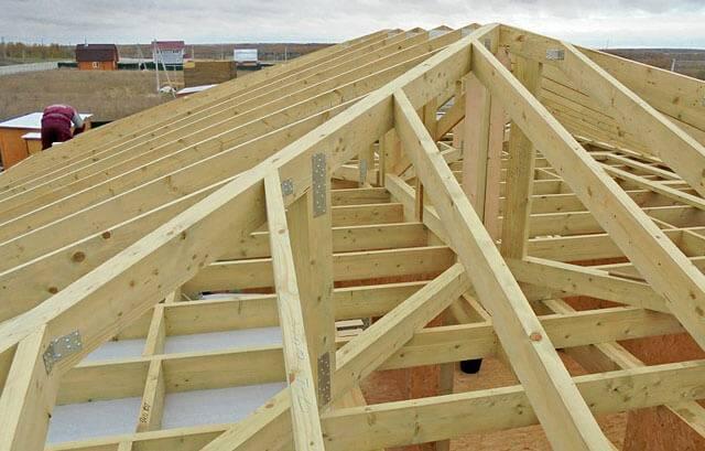 Устройство четырёхскатной крыши