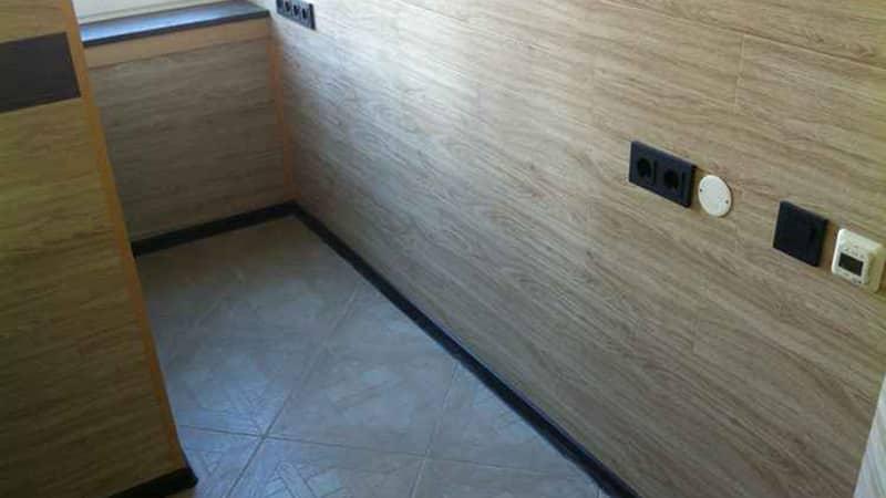 Как происходит отделка ламинатом стен в интерьере квартиры: руководство и схема поэтапно