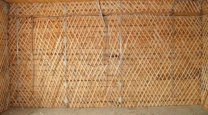 Как провести штукатурку деревянных стен своими руками
