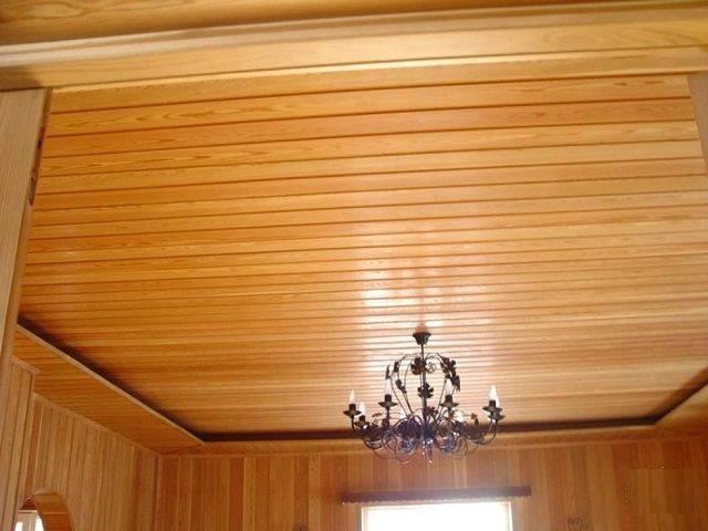 Как сделать потолок в деревянном доме: рекомендации по монтажу, какой потолок сделать своими руками