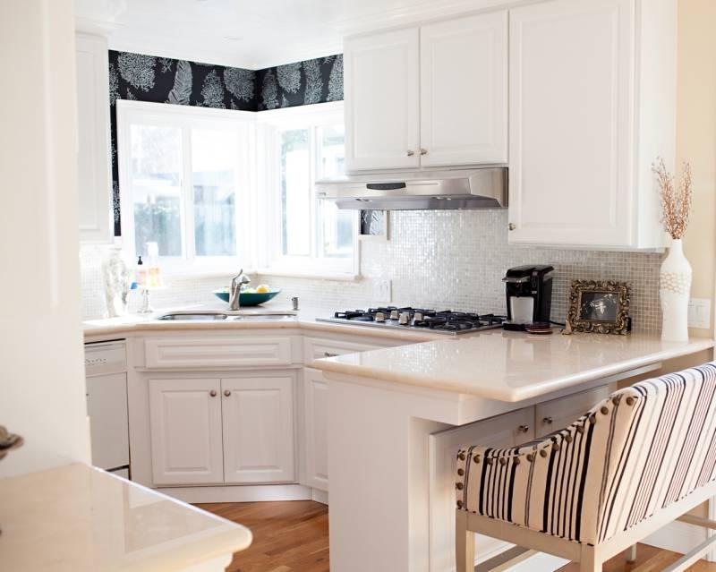 18 вариантов дизайна кухни с с окном в рабочей зоне