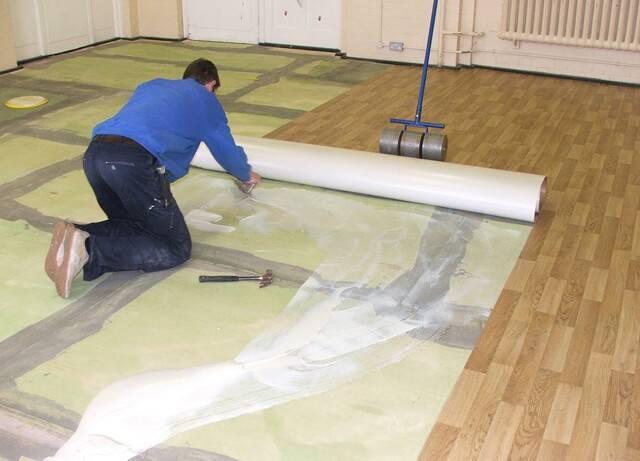 Как положить линолеум на бетонный пол: как подготовить и чем закрепить