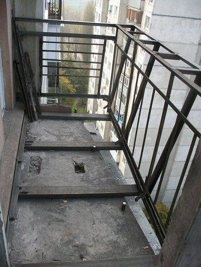 Как сделать балкон с выносом, два метода расширения